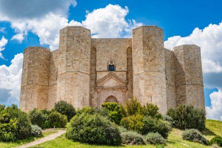 travel Italy Castel del Monte
